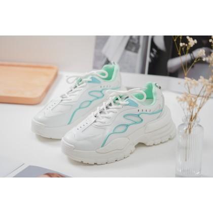 Genie Sporty Sneakers